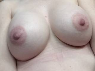 Who wants to fuck my tits while my husband watches.... I\'d love a hot load all over my tits