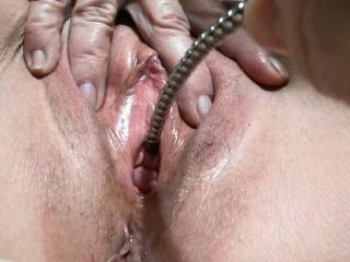 Love the way boyfriends penis plug feels inside me. Made me cum and squirt all over myself. Do you like?