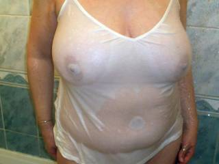 oh zes i so want to get wet with you, i love your big sexy titties
