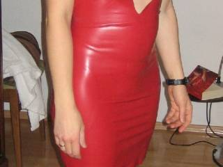 Trying the red latex together with this nice nylons