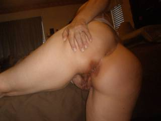 a ass like THIS needs a cock to inject jizz deep in my bowels,who will honor me?
