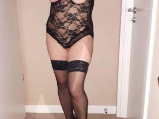 Lingerie loving mature couple..come and join us x