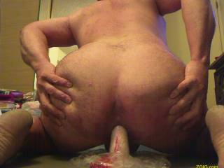 I wish that was my hard cock sliding in there!!!