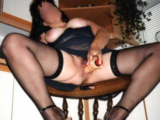 Mmmm I have a little toy she can play with !!