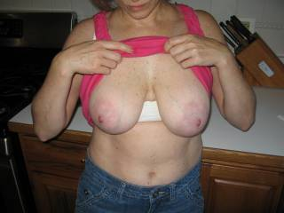 love to use those tits! gorgeous!