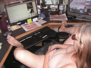 tommie doing a live chat on 09 240 2010 for all of her fans to enjoy and we hope that they enjoyed it as much as we did and she got all hot and horney ...