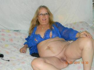 oh nice!!!! I,m sure you would treat my cock to a sucking and fucking hot time sexy lady xxxx  love your sexy hot mature body
