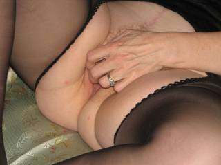 I love seeing a woman play with her pussy.