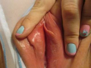 Love to burry my tongue inside your hot pussy pulling it out covered in your pussy juices yum