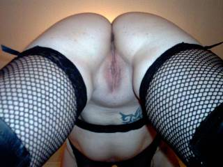 wow! id love to give her pussy n asse a good licking and fucking and watch my cum dribble off her lovely asse!!!  xx