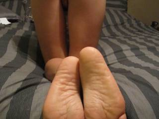 mmm love to fuck her with my throbbing cock and her sexy feet