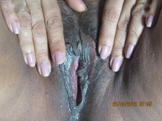 I would love to bury my face in her beautiful brown pussy and eat that for hours.