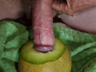 pushing my dick deep into a juice melon hole ... any woman would like to try to deepthroat my sweet dick?