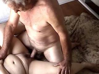 in the middle of ejaculating i like to watch my cock pumping sperm inside her