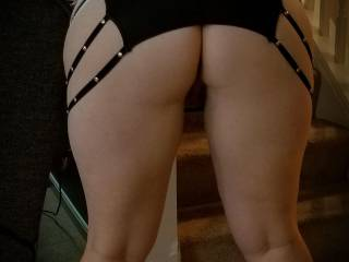 Panties wouldn\'t fit over my curves so I decided to go commando.....did I make the right choice?