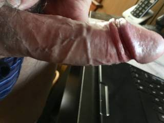 Getting ready for my daily morning wank, watching Zoig and jerking off to the videos of guy's and gals wanking and cumming!