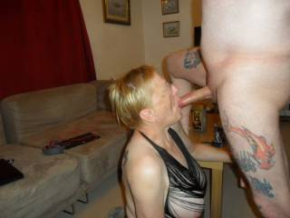 Hi all had to give hubby a long slow wet blow job dam I do love the taste of cock comments please mature couple