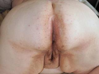 would you lick her fat cunt and arse crack?
