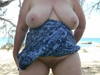 mmmmm..so inviting darling, love your curves, lose that dress and sit on my face !!