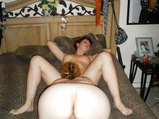 Enjoying quality time with of my girlfriends.. SDoesny She have such a yumy pussy?