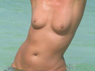 Would just love pressing my naked body to yours and having our lips meet, you are a dream cum true !