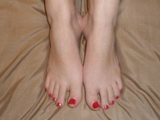 SO sexy. I would love to suck each of those toes and them shoot my load all over them.