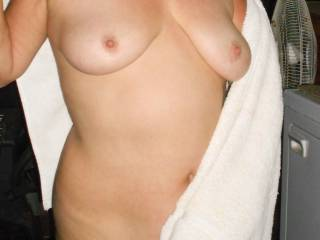 Oh my those are nice tits.....Yummy nipples