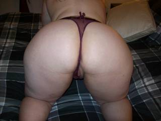 Hotwife Lupo came over the other night to fuck me as her cuckold hubby sat at home with the   Doesn\'t she have a great ass???