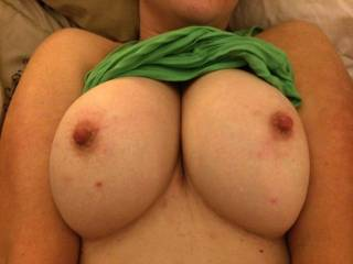 what a sexy pair of breasts, would love to shove my cock between them and cum hard...