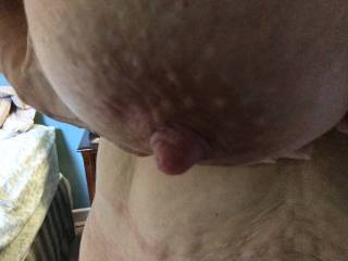 will you email me and let me no when I can suck on that beautiful nipple sweetie