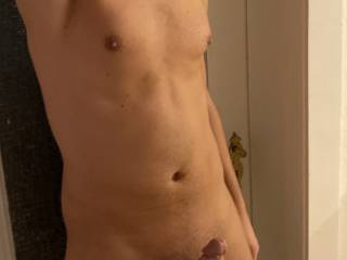 Just a body pic in the morning. Who wants to join me in the shower?