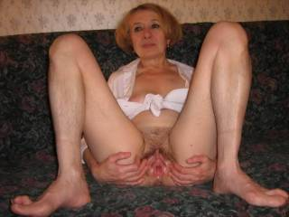 mature closed up hairy pussy