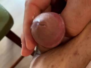 Was feeling so horny looking at pics on Z that I had to wank and release some spunk