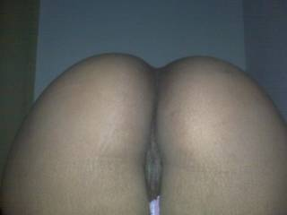 Would love to lick your beautiful ass crack. Do you like a thick weiny cock doggie style?