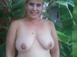 Beautifal gal and beautiful tits.  Wonderful nipples for sucking and titilating. I'd love to suck them.