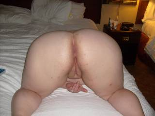 MMMM! I'd love to know what she Smells like when being fucked! 'Musky Cheesy Scent! I love that!! I want her , No Condoms!