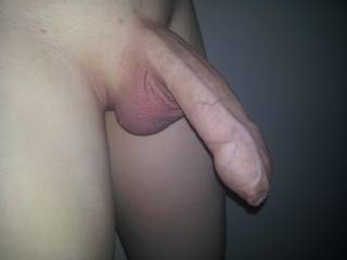 Now, that is just gorgeous!! What a beautiful, un-cut cock....sooooo long, thick and veiny.....fabulous!!  xx