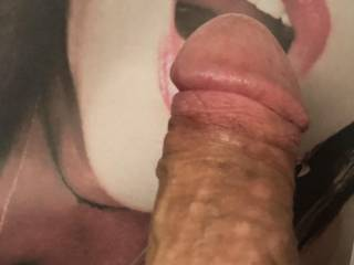 Who wouldn't want to slip between these big soft lips?