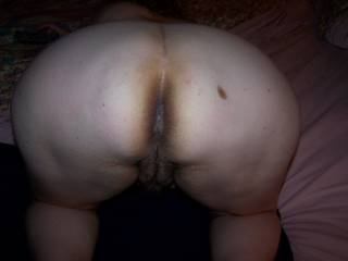 i'd love to be behind you and sniff your asshole and licking your twat at the same time until you cum