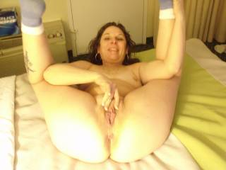mmmmmmmmmm i would love to lick and fuck her hot pussy next