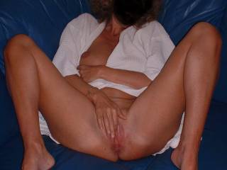 Love to lick and eat her sexy pussy and suck on her sexy toes until I cum!