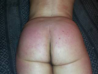 Stared a light spanking. ...more to cum ;)