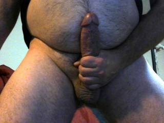 I love rubbing my cock on my hairy belly