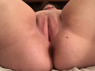 Hot wife showing her wonderfully pussy....