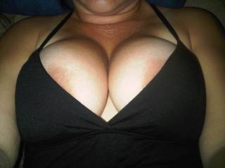 i  used to love to cum on her tits and she would lick it off
