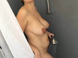 here is my sexy girlfriend. i love her sexy milf body. tell us what you think and what you would do
