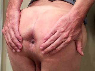 Spreading my butthole. I love showing it!