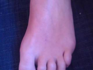 my wifes sexy feet, you like it?