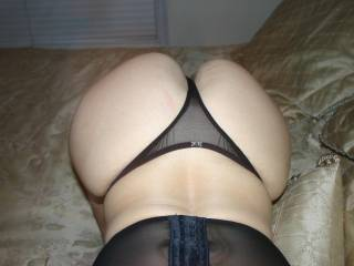 Very Hot ass!! I'd love to unload my sperm all over it...