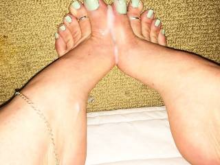 I'm definitely fighting my way to the front of the queue for a chance to have those drop dead gorgeous feet wrap around my cock and work me until I explode all over them...I want to watch as my hot thick creamy cum runs down your feet and drips from your oh so suckable sexy toes!